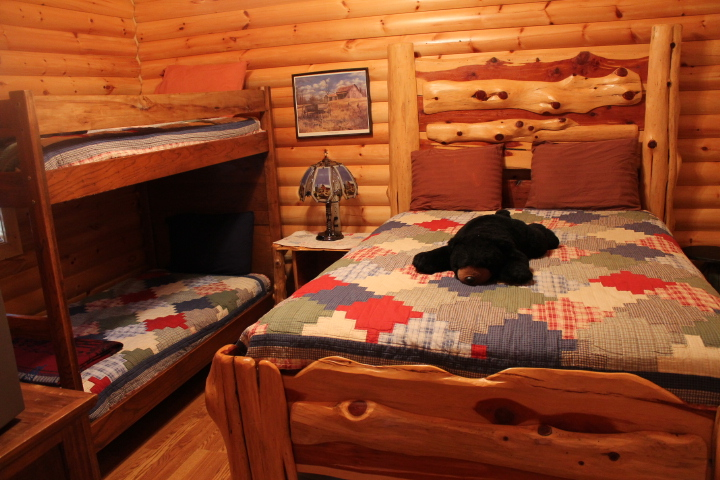 Hold mouse over. Log   Vacation Cabin Rentals in Branson  MO   Branson Weekend